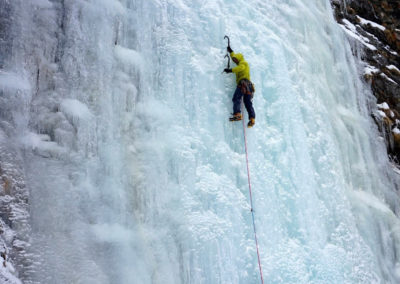 renaud-courtois-cascade-glace-alpinisme-hivernal-11